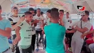 «رقص مهرجانات» الشباب علي المراكب النيلية في ثاني أيام العيد