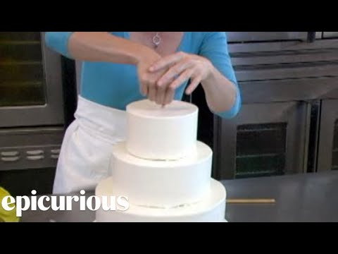 How to Make Your Own Wedding Cake Assembly
