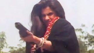 Kabir Bedi, Dimple Kapadia, Mera Shikar - Action Scene 16/16