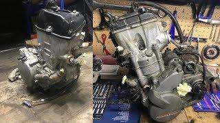 Przygotowanie do wyjęcia silnika KTM EXC-F (płyny, węże, obejmy)