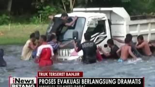 Truk terseret banjir - iNews Petang 29/07