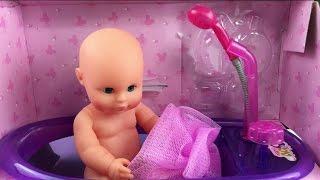 小娃娃小宝宝洗澡过家家玩具视频