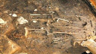 কোরিয়াতে দেওয়াল ভাঙতেই বেরিয়ে এল ১৪০০ বছর আগের দুই নরকঙ্কাল! || Sokher Reporter
