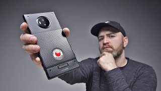 The Red Hydrogen One Holographic Smartphone