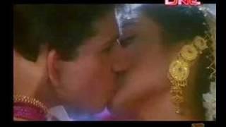 Rani Mukherjee - Smooch From Raja Ki Ayegi Barat