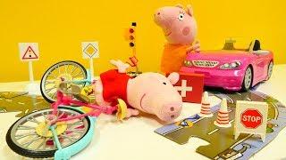 Детское видео. СВИНКА ПЕППА новая серия! Как Peppa Pig упала с  велосипеда и набила шишки! #Плюшики