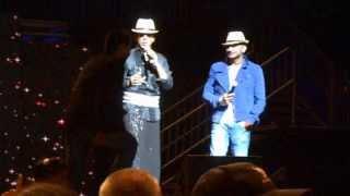 SRK, Yo Yo Honey & guy from audience Lungi dance Part1