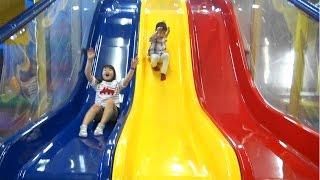 Indoor Playground Slides 屋内パーク で大はしゃぎ!!  子供とお出かけ
