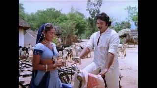 Soorakottai Singakutti - Silk Smitha gets caught
