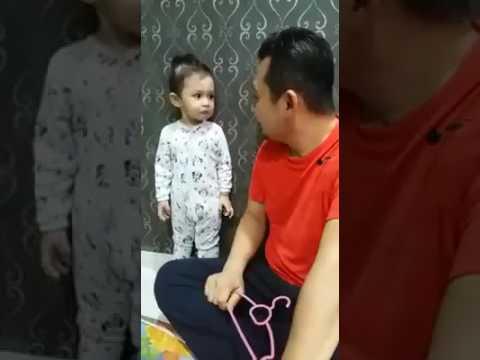Comel Anak Kecil Menjawab Ketika Dimarahi Bapa