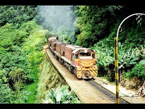 RFFSA Locomotiva G22U em direção à Curitiba