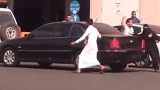 هروب فتاة من قبضة رجال الهيئة بواسطة مراهقين والقبض على صديقها - الخرج