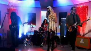 The Pretty Reckless Miss Nothing on this morning!!!!
