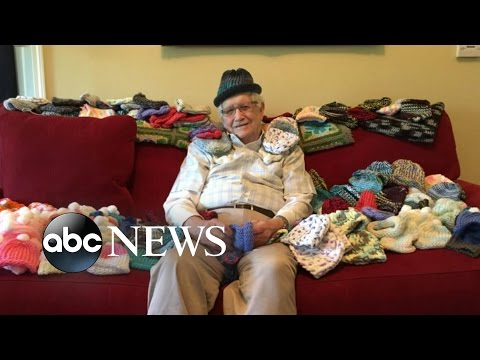 86-Year-Old Man Learns to Knit to Make Hats for Preemies