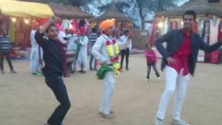 Vishal Singh doing competition in Surajkund Mela with professional dancer