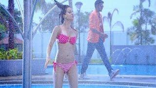 'Line Laga' Bikini Song from Movie