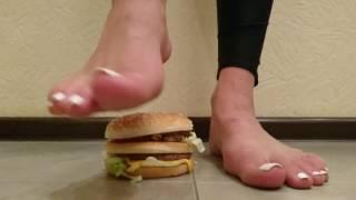 @goddessliza89 crush the burger from McDonald's