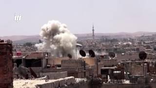 مشاهد القصف بصواريخ الفيل على الأحياء السكنية بدرعا البلد في مدينة درعا