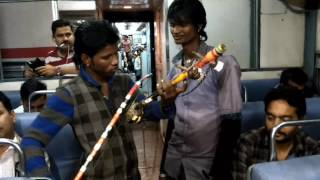 The Great Indian Street Talent - Playing Handmade Violin- Dheere Dheere Se Meri Zindagi Me Aana