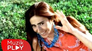 Yıldız Tilbe - Yürü Anca Gidersin (Official Video)