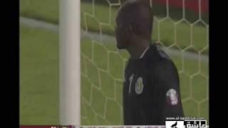 فيديو حكم يتبول أثناء مباراة بالدوري القطري