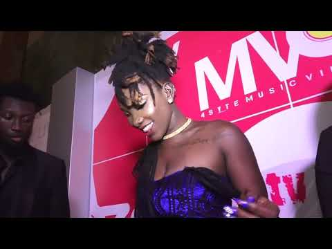 Xxx Mp4 Ebony Shows Off Her Pusy On Red Capet 3gp Sex