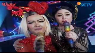 Julia Perez dan Dewi Persik - Aku Ra Popo (Infotainment Awards 2017)