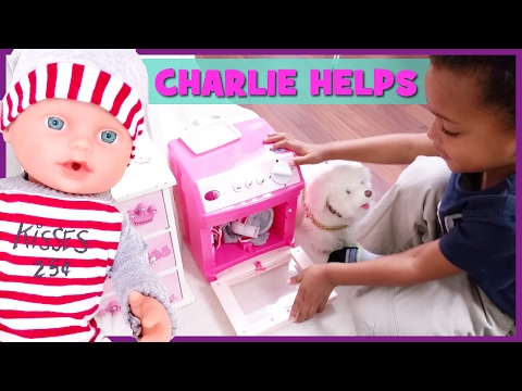 FEEDING & CHANGING | Doll Pees Everywhere & Charlie Washes Dirty Clothes | BlueprintDIY Kids