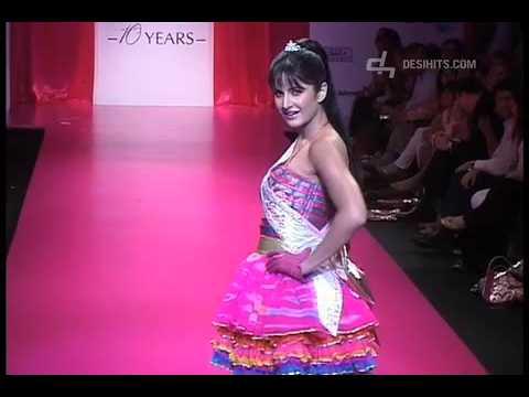 Xxx Mp4 Katrina Kaif Walks The Runway For Barbie At Lakme Fashion 09 3gp Sex