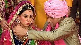 Pakhi gets married to Veer