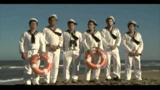 Los Autenticos Decadentes - La prima lejana (video oficial) HD