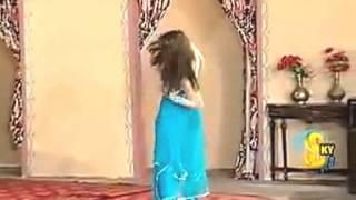 DOODH MAKHNA DI PALI DEEDAR Lovely Vip Mujra Dance HD