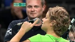 لأعبه كرة المضرب  كيم كليسترز تتعرض للتحرش من مشجع