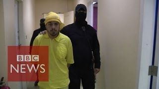Face to face with Islamic State - BBC News