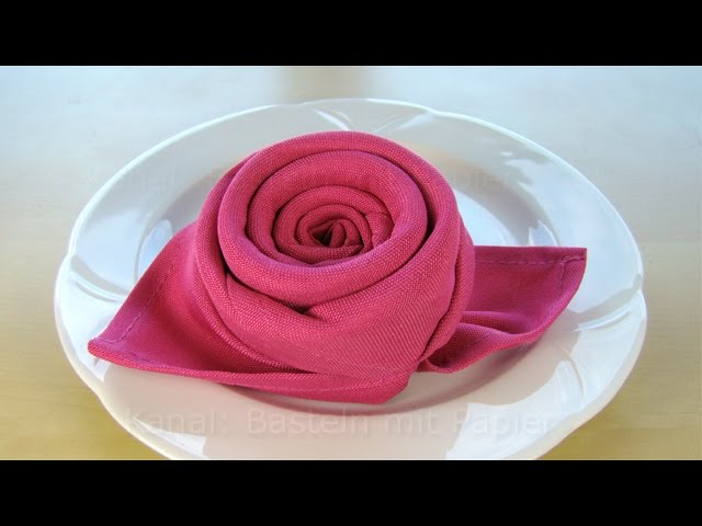 pin servietten falten bluete lotusbluete 03 46 on pinterest. Black Bedroom Furniture Sets. Home Design Ideas
