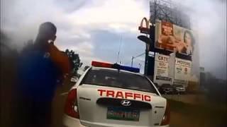 Does This Video Show Corrupt Cebu Police Officers Extort P1500 From a Foreigner And His Girlfriend?