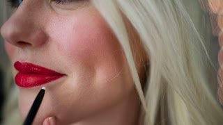 Seal your lips with invisible liner