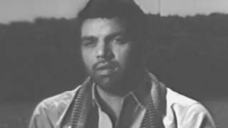 Tumhen Zindagi Ke Ujale Mubarak - Dharmendra, Mukesh, Purnima Song