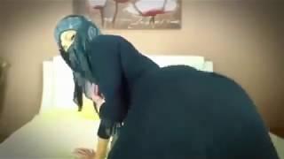Arab hijab hot booty shake