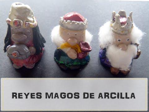 Figuras de los Reyes Magos con arcilla o pasta de sal Manualidad fácil para niños Navidad