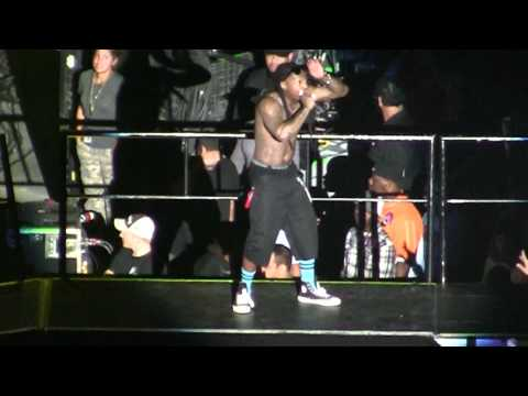 6 foot 7 foot Lil Wayne LIVE in Orlando! Best Version on Youtube! I Am Still Music Tour