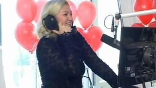 Nina Badrić peva pesmu