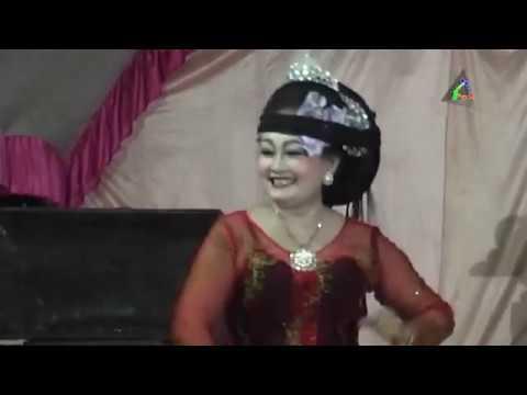 Buah Kawung (Mamah Linda) Lingkung Seni Sunda Sadewa