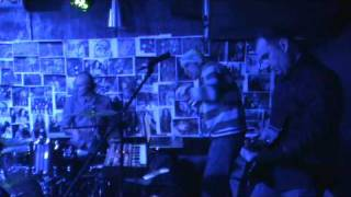 OSTAVA - Prazen Kadar Remix (feat. Koka - Bluba Lu) - Live @ Stroeja, January 2011