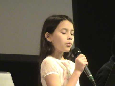 Natalie 10 años canta La Via Dolorosa en Español