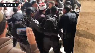 Jerusalem Day: Israelis clash with Palestinians on Temple Mount