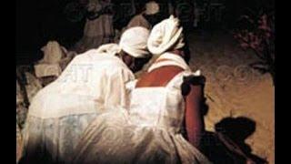 Igreja evangélica invade terreiro de macumba, e líder fica possuído.