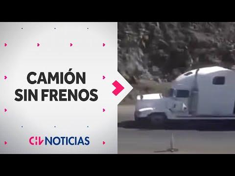 Impactante registro muestra accidente de camión sin frenos en Arica CHV Noticias
