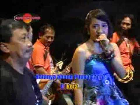 Download Merinda Anjani feat  Doyok - Abang Madun (Official Music Videos) free