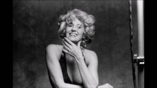 Tammy Wynette & Mark Gray - Sometimes When We Touch